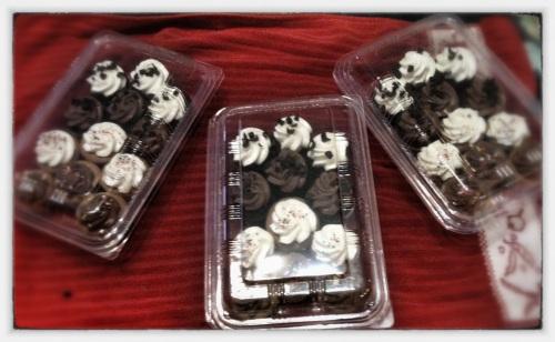 Magpies cupcakes