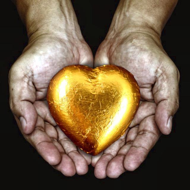 IMG_6521_golden heart 100dpi_6x6_4c